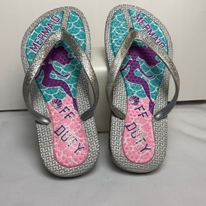 3/$20 CAPELLI NEW YORK Girls Flip Flops Size 1-2